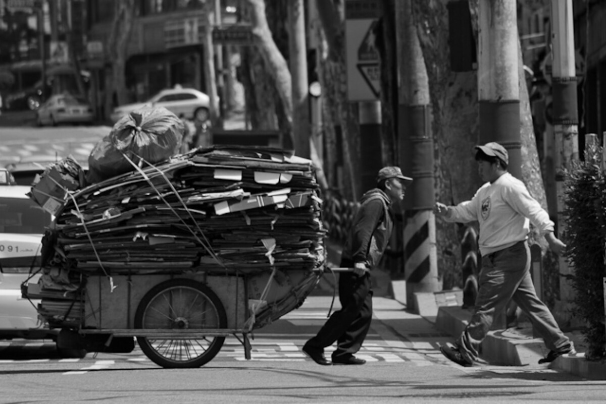 POTD day 133 Cardboard Cart