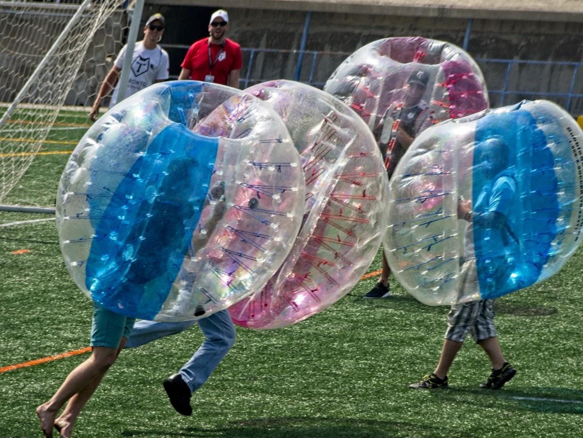 Toronto Wolf Pack Bubble Men
